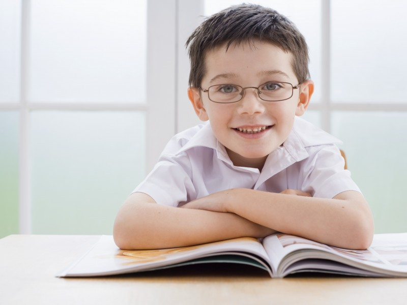 kid-reading-alone_images_thumb_medium800_600